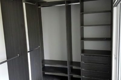 There are different colour options for a coloured board walk in wardrobe