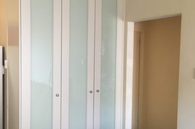 Hinged One Panel Decor with White Glass Polyurethane Painted Doors - 3 door combination