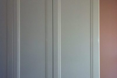 Hinged Heritage (2 panel) Recessed Polyurethane Painted Doors with Unit Top and Capping Mould
