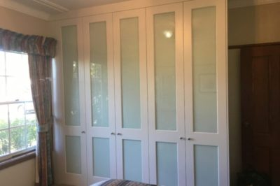 Hinged Two Panel Decor with White Glass Polyurethane Painted Doors - 5 door combination
