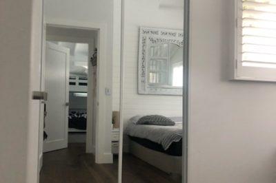 Sliding mirror doors with white aluminium frame - square set opening, 2 door combination