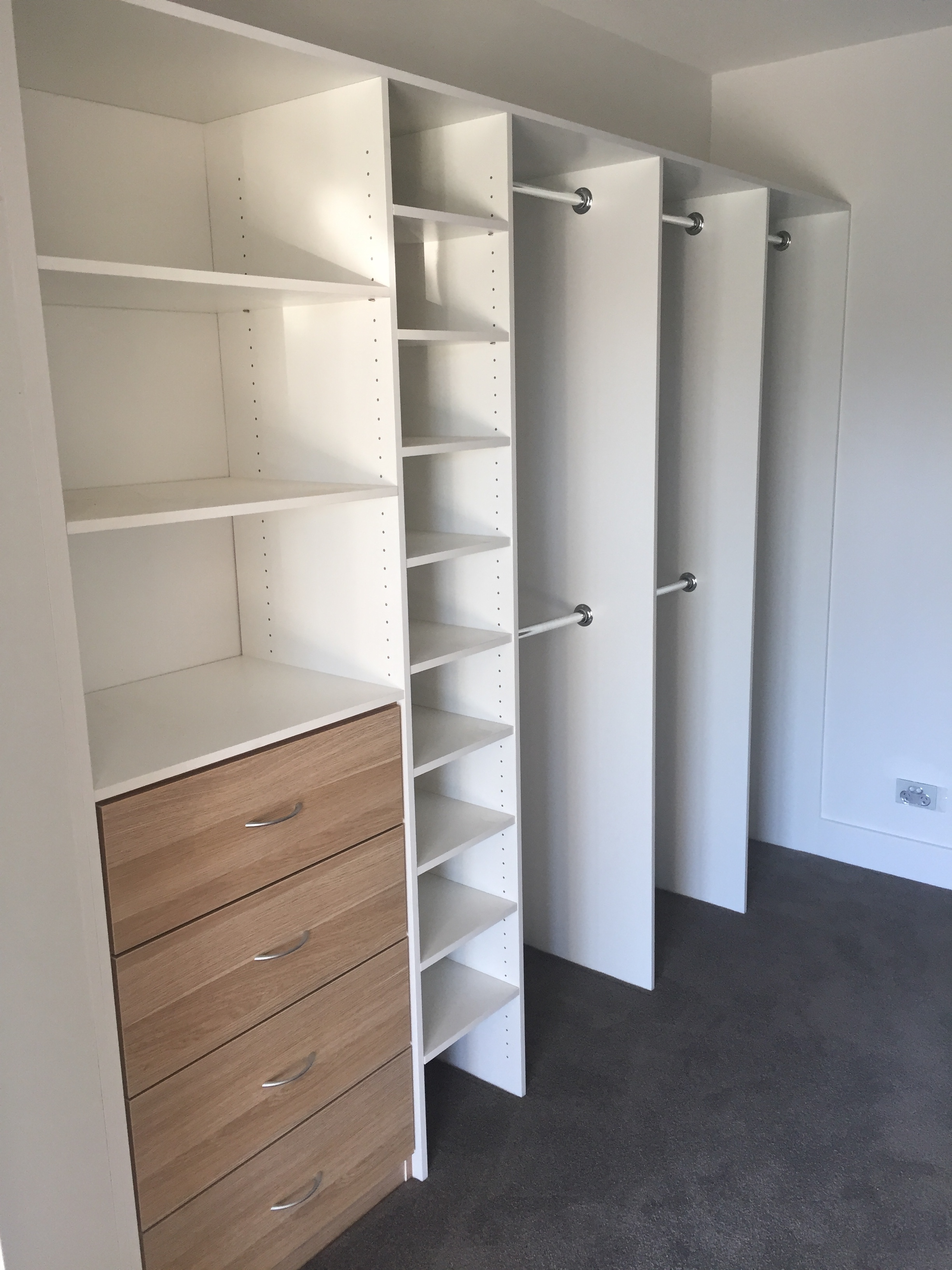 Walk In Wardrobes And Internals Built In Wardrobes Sydney And Shower Screens Sydney