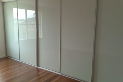 White Glass and Matt Silver Frame - 5 door combination