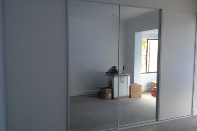 Sliding mirror doors and sliding white meltica doors - 4 door combination