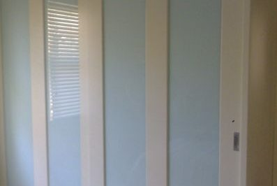 Sliding Custom White Glass Decor Polyurethane Doors with unit top - wide vertical
