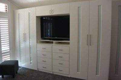 Hinged White Glass Custom Decor Polyurethane Doors with unit top and exposed drawers