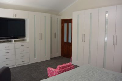 Hinged White Glass Custom Decor Polyurethane Doors with unit top - 8 door combination