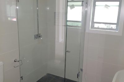 Frameless Shower Screen - Front with Side Return